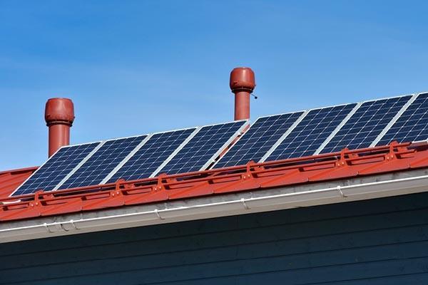 sentuntee_kuopion_energia_pientuotanto_aurinkoenergia_aurinkovoima_bioenergia_omakotitalo